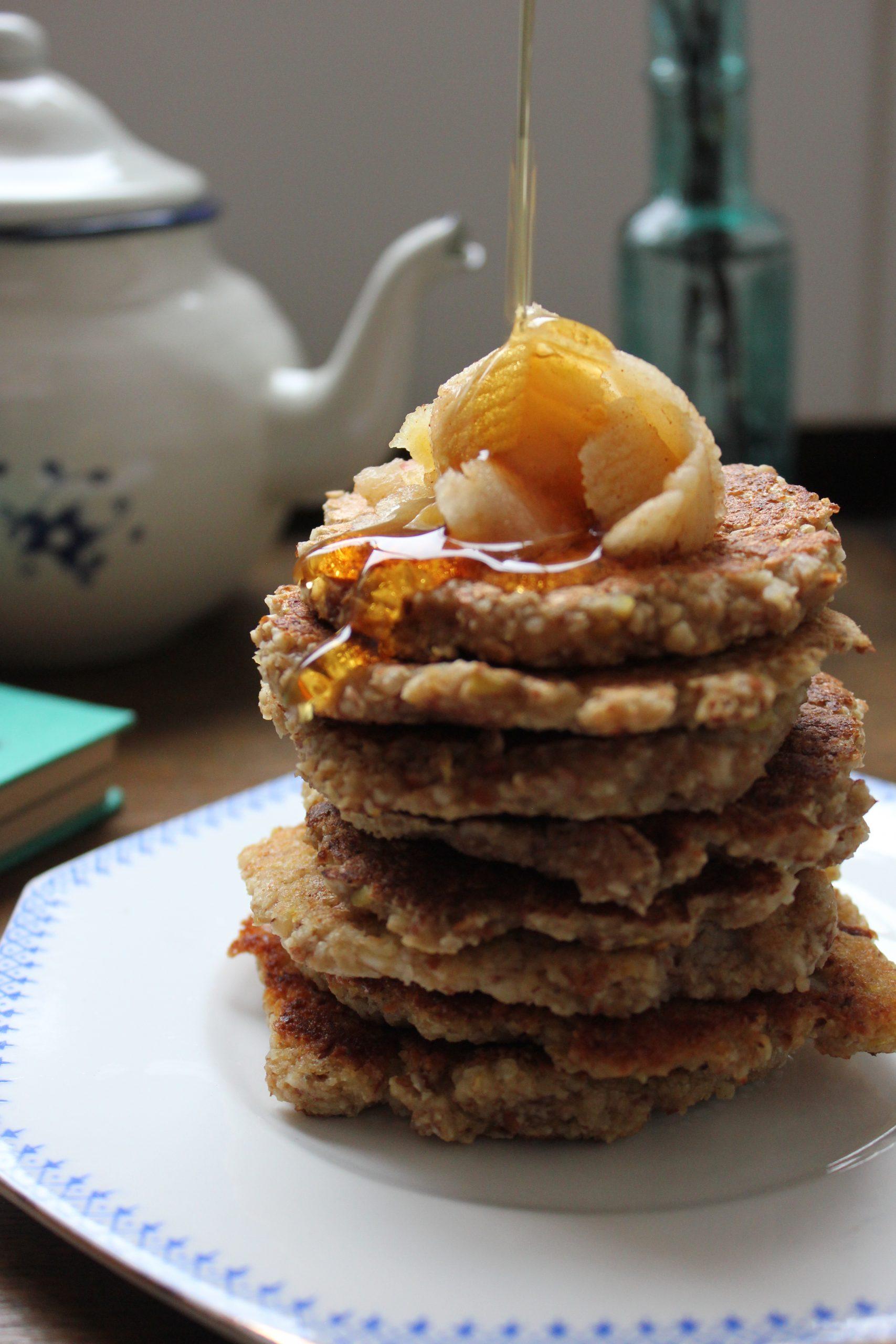 Oat, banana and apple vegan pancakes