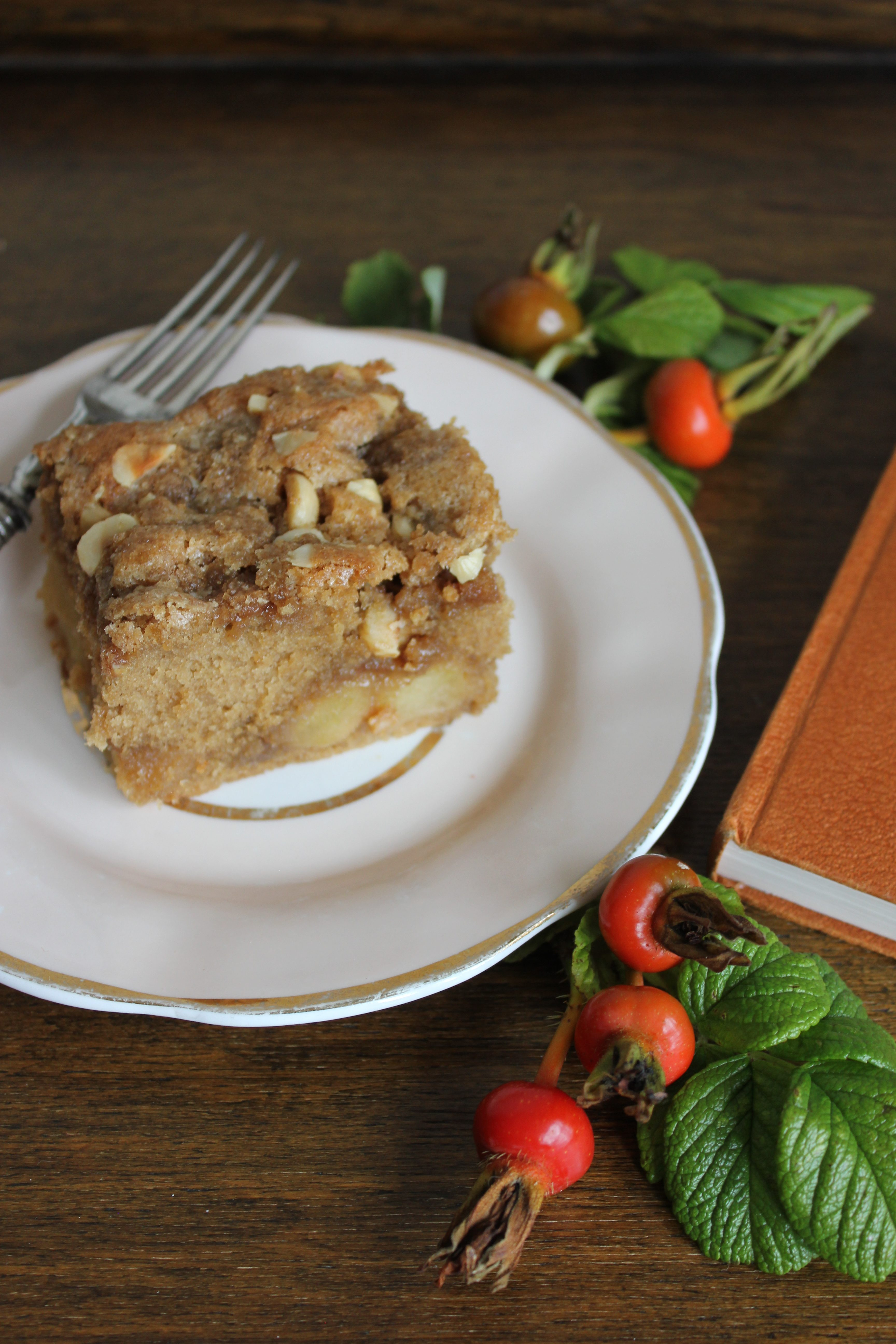 Caramelised Apple Traybake with Streusel Topping