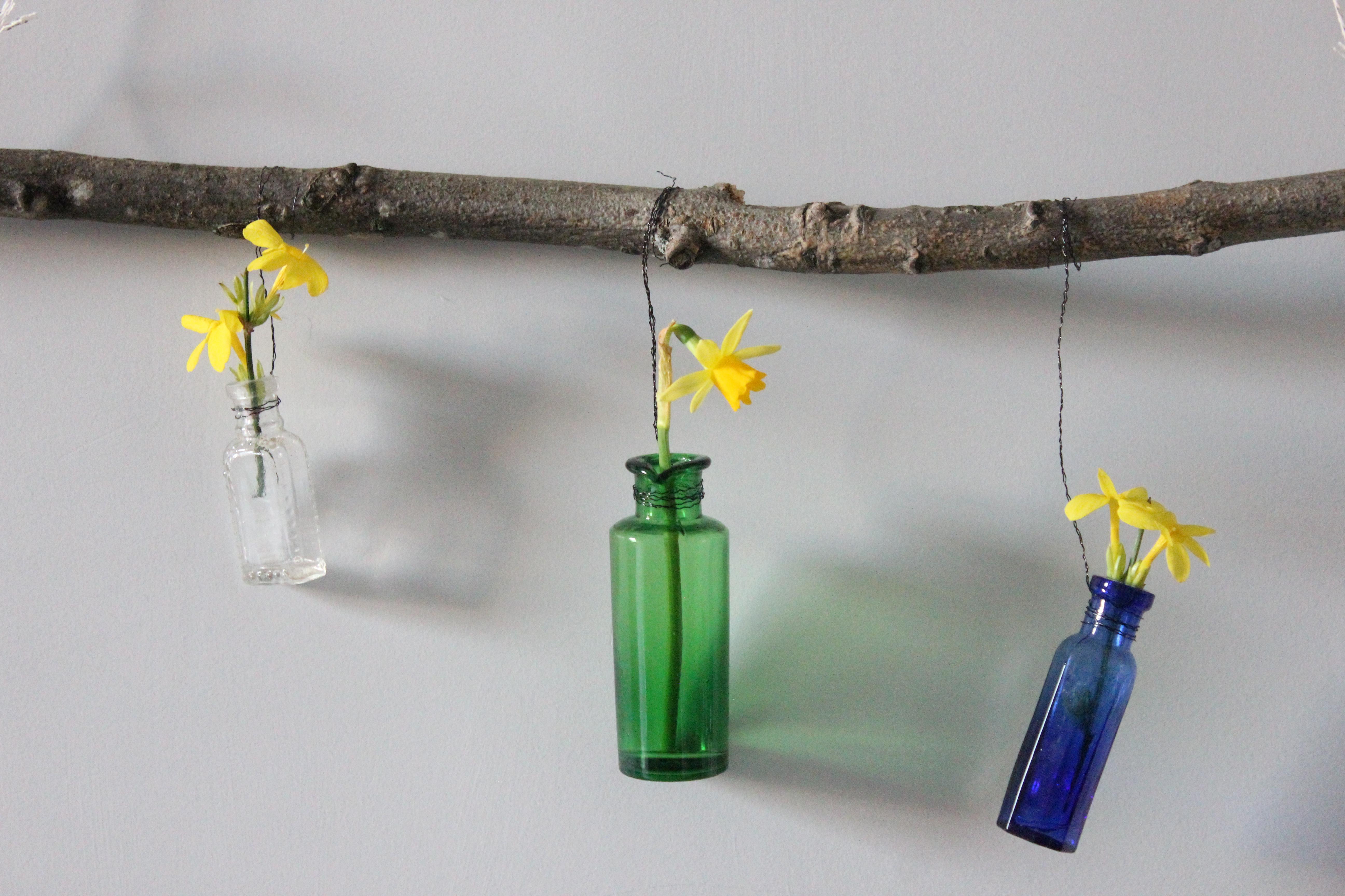 Daffodil swag