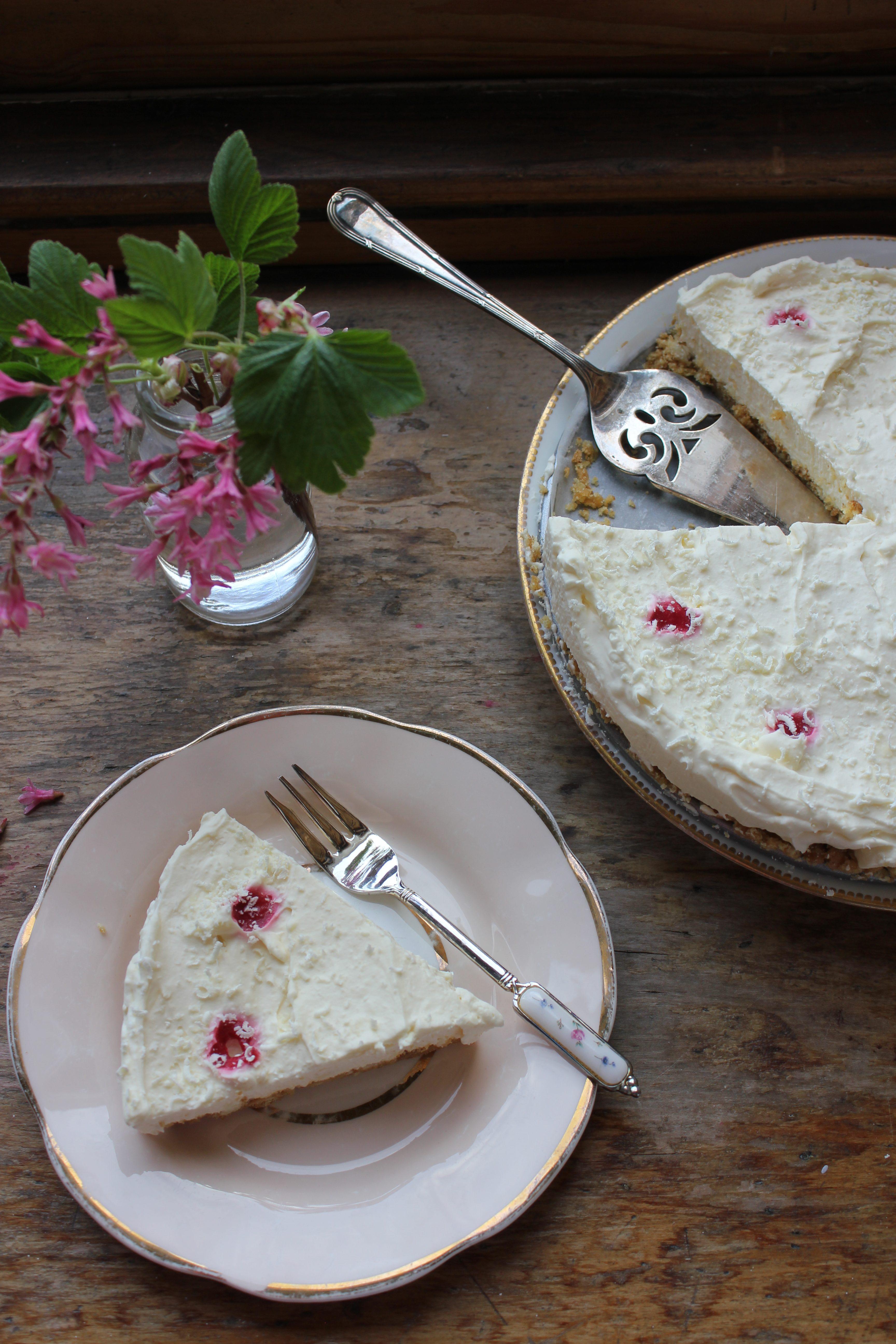 Mary Berry white chocolate raspberry cheesecake