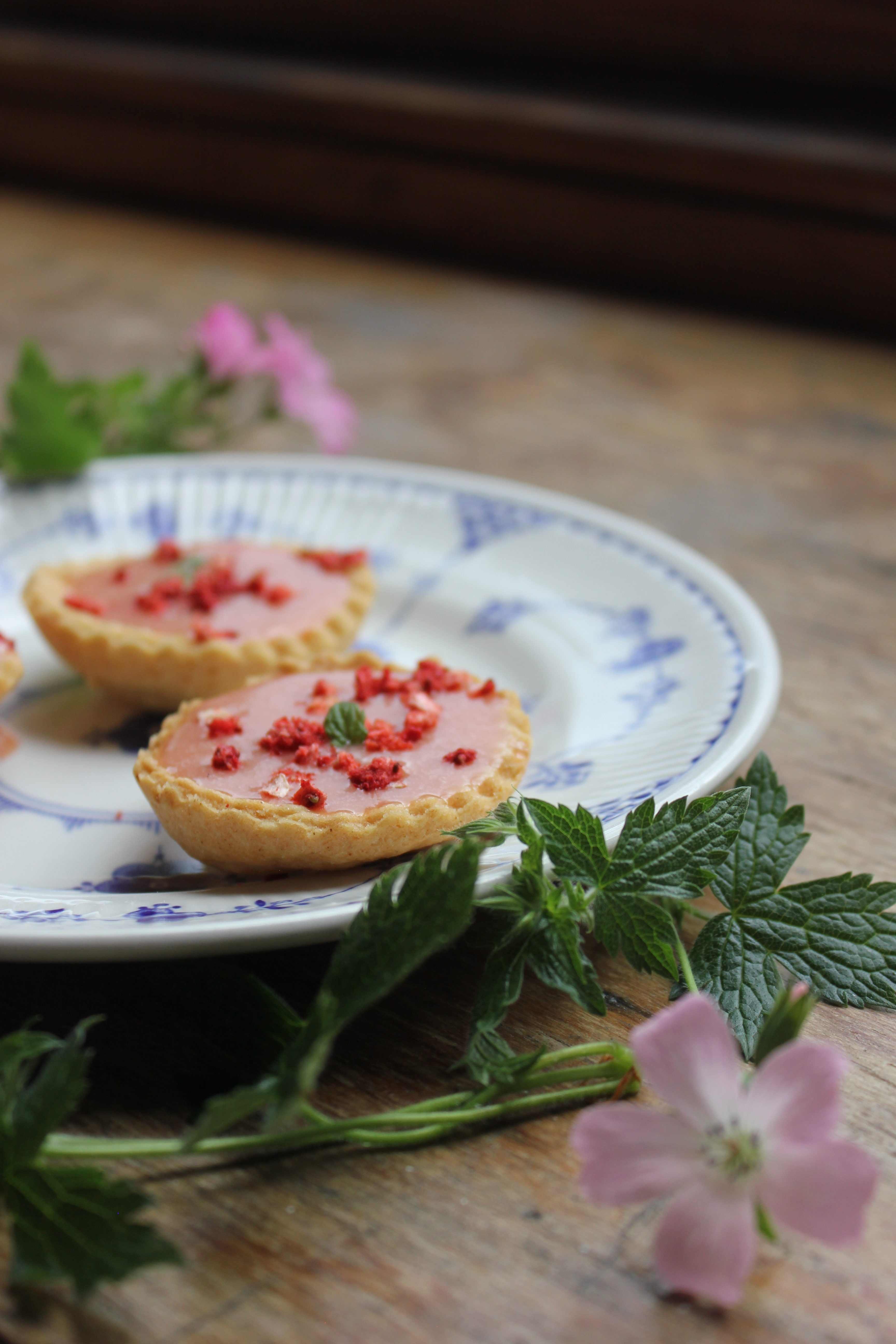 Strawberry curd tartlets