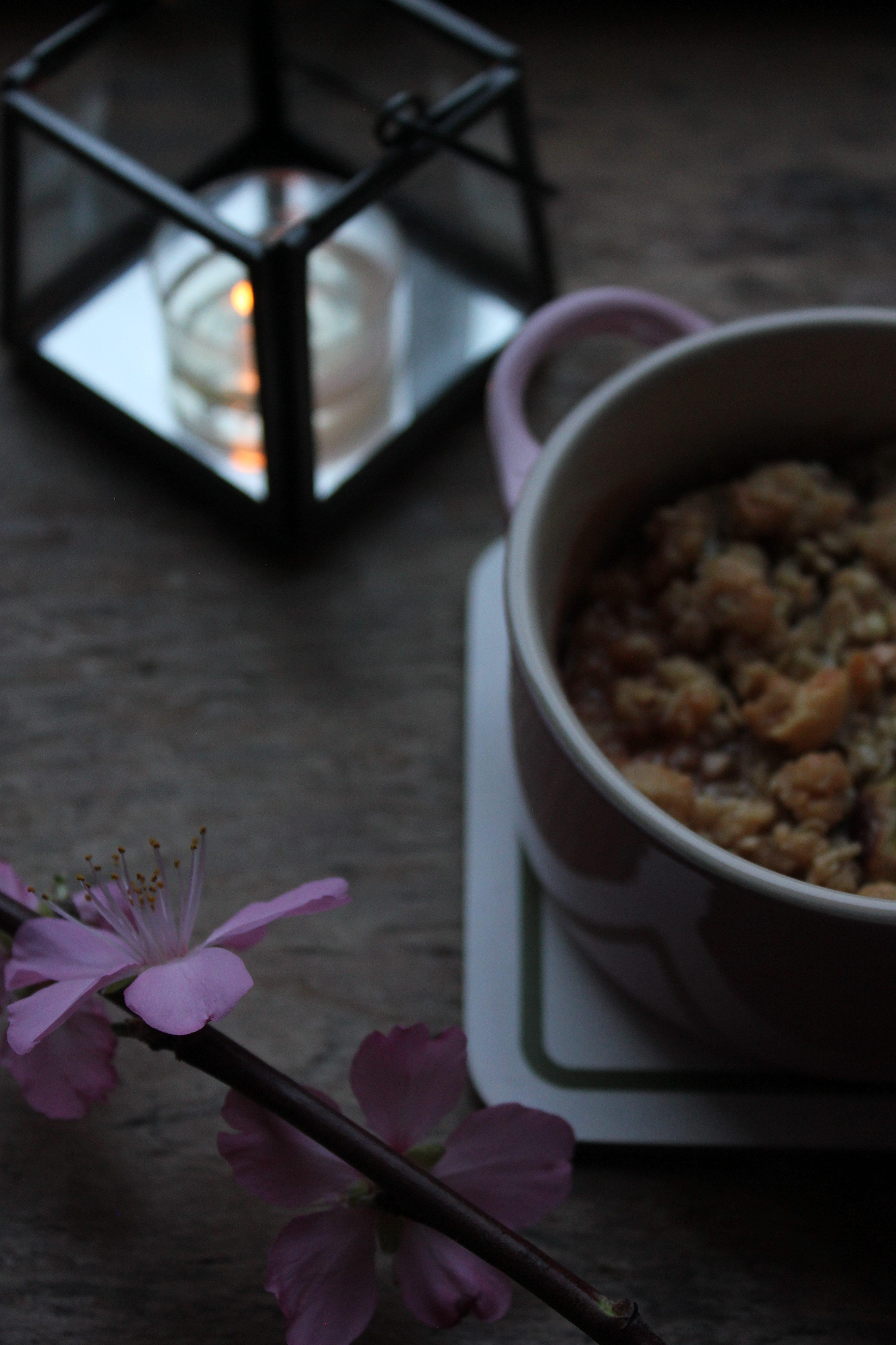 Warming Spiced Rhubarb Crumble
