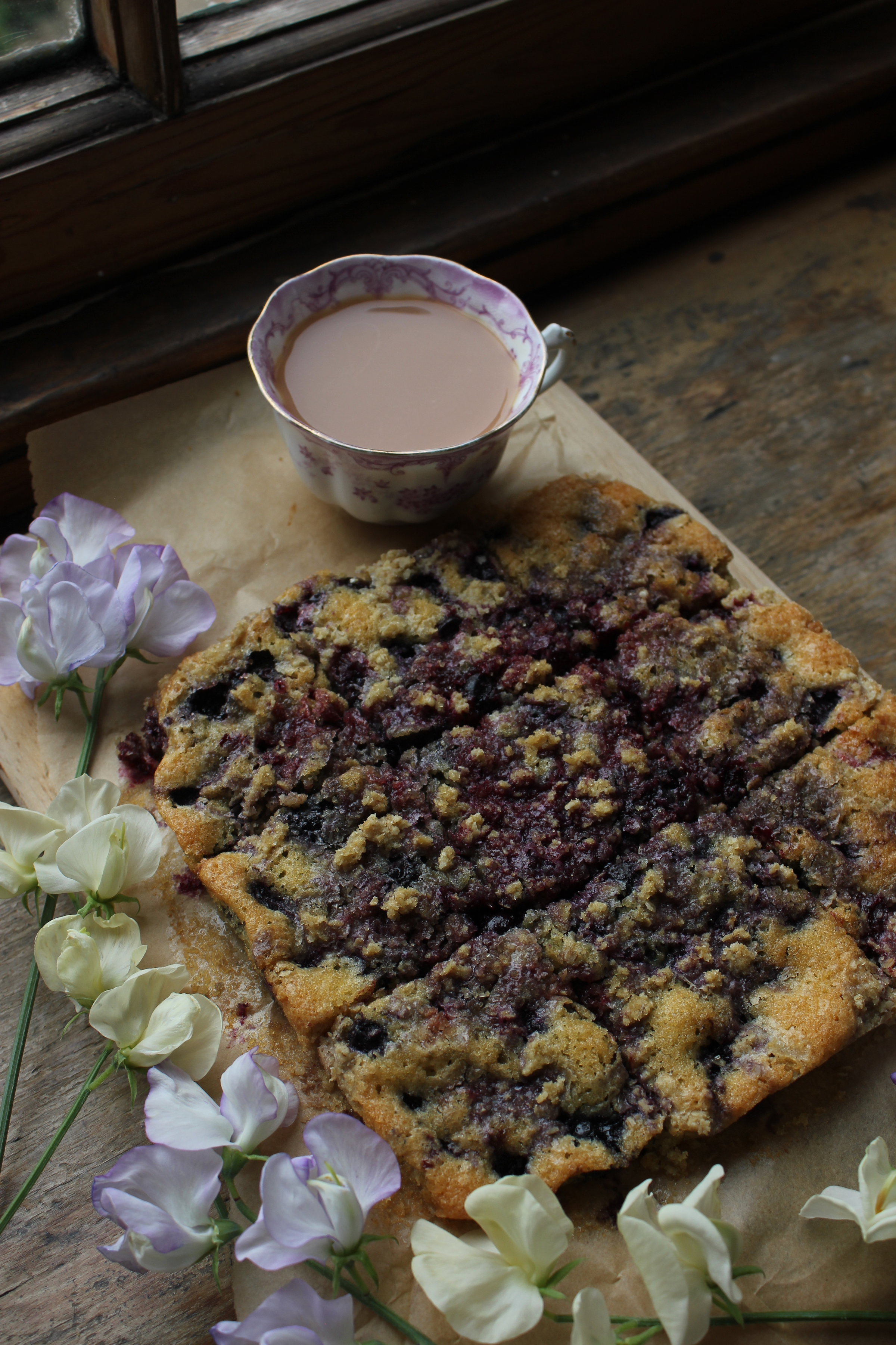 Blackcurrant crumb slices