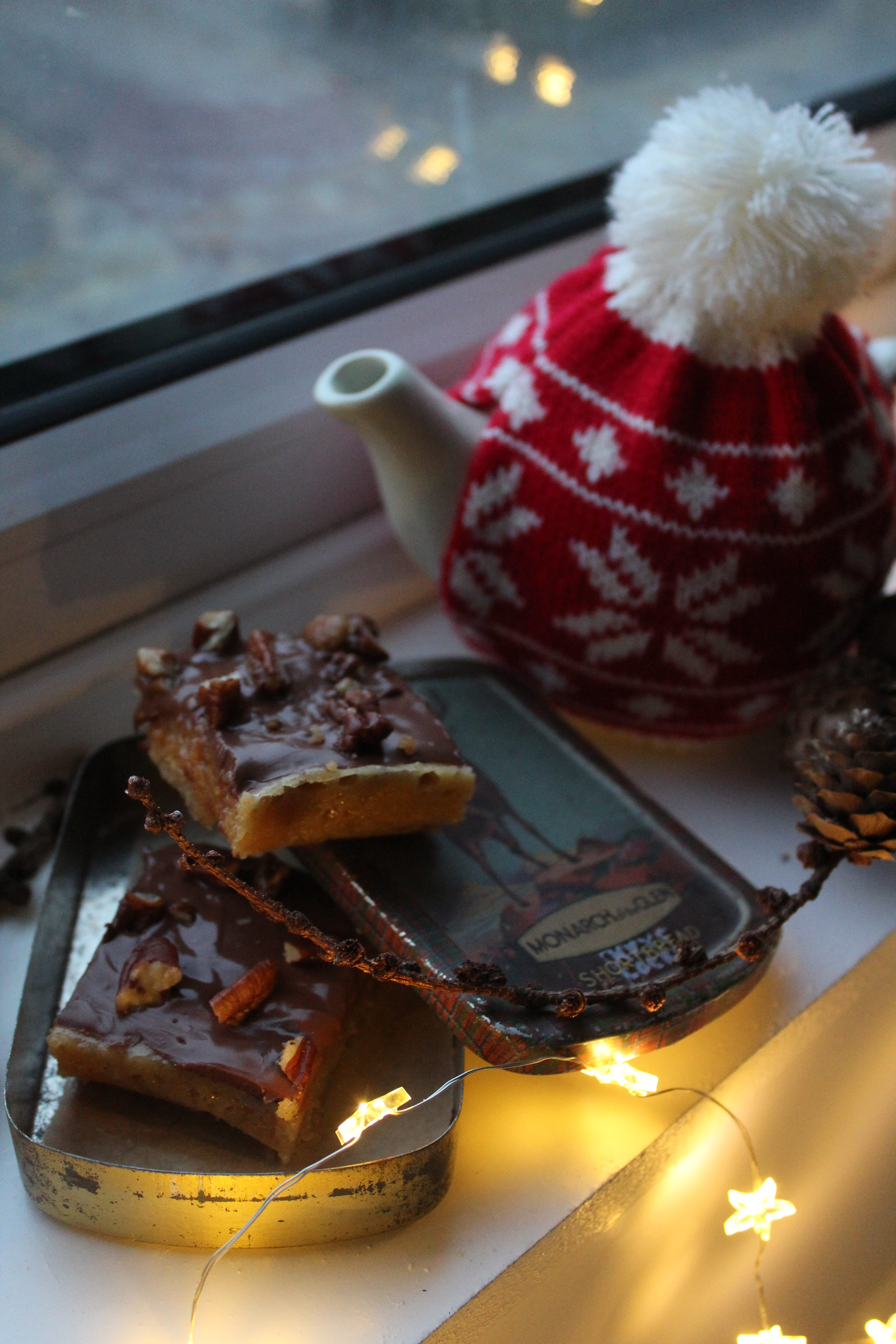 Spice and nut millionaire's shortbread