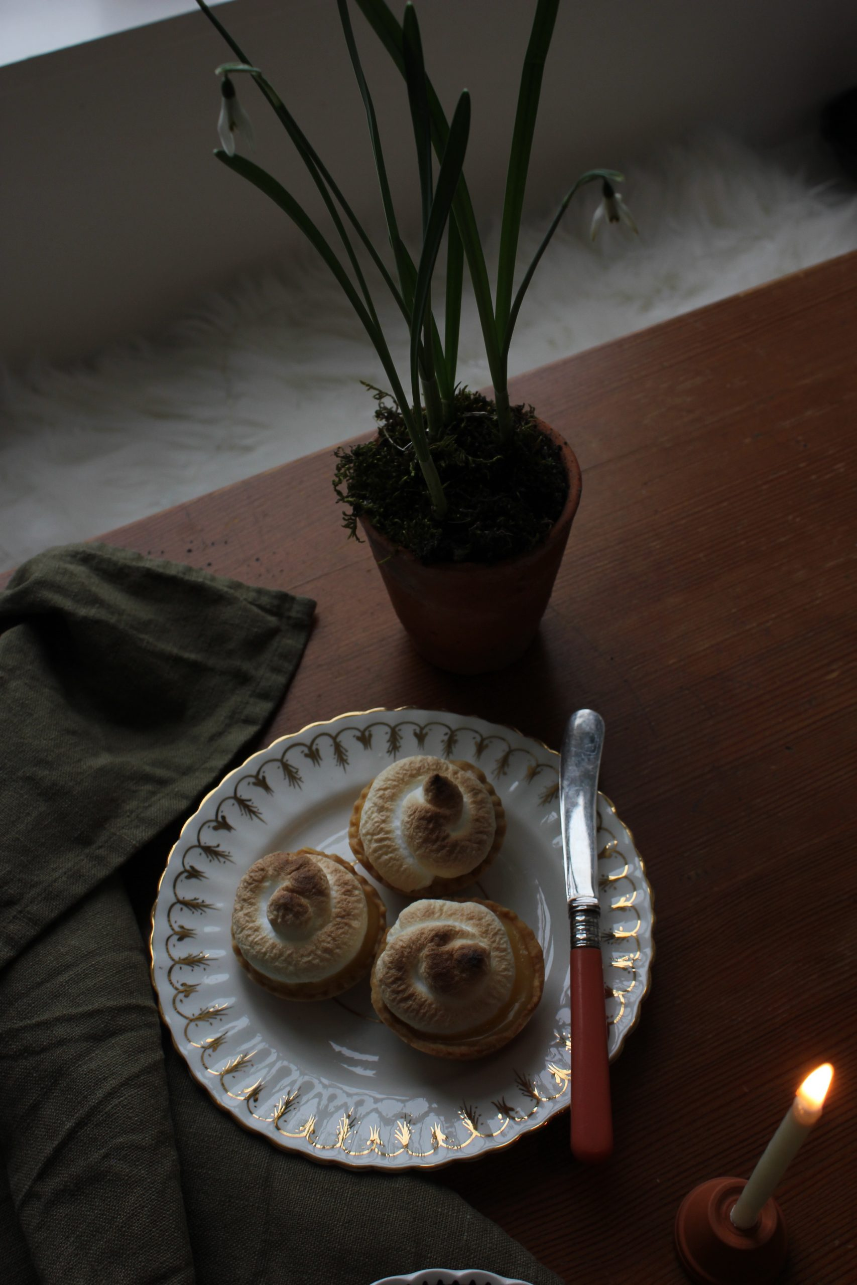 Citrus curd meringue tart