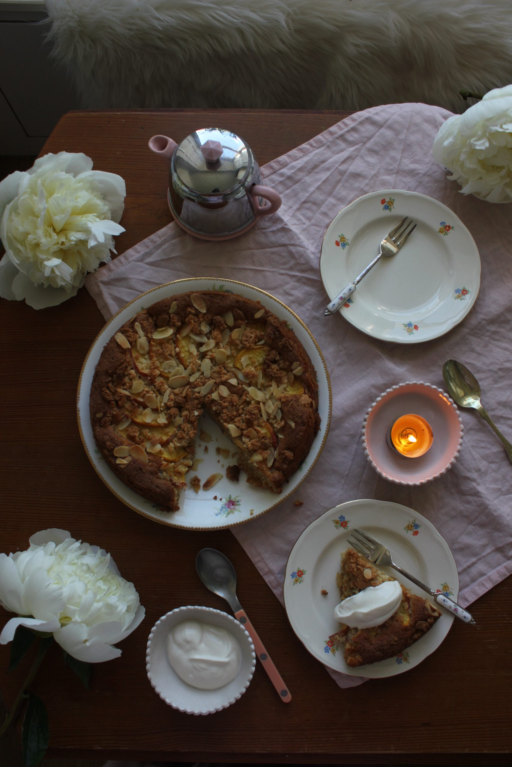 Peach, Amaretti and Vanilla Cake