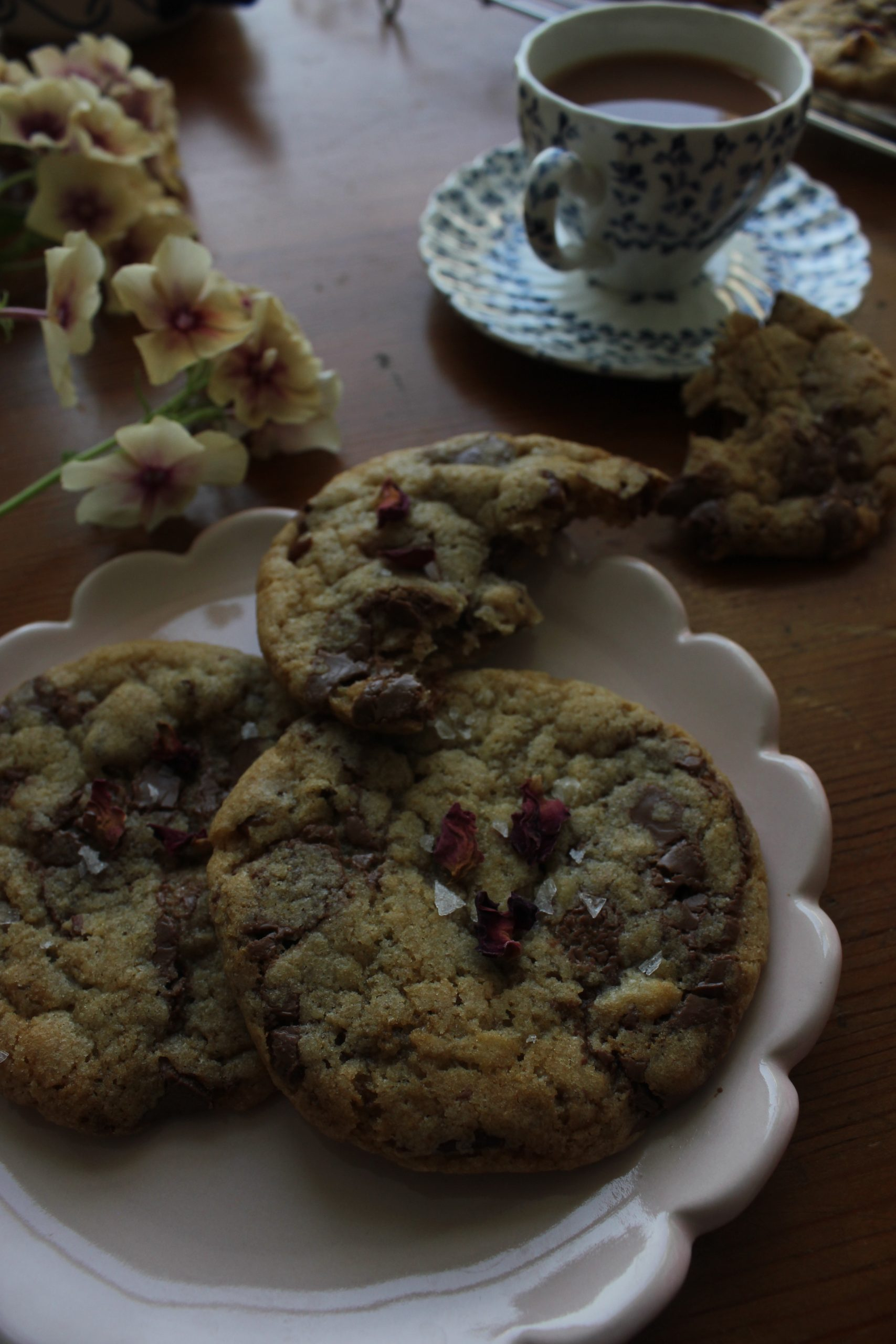 Rose, Pecan and Chocolate Cookies